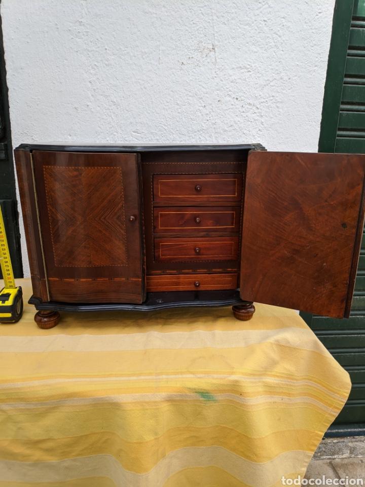 Antigüedades: Mueble de radio tranformado en bargueño, caoba - Foto 8 - 207838546