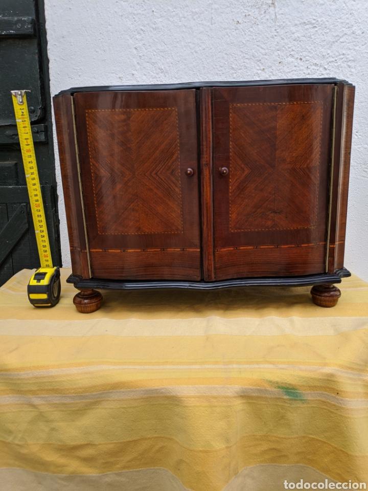 Antigüedades: Mueble de radio tranformado en bargueño, caoba - Foto 9 - 207838546
