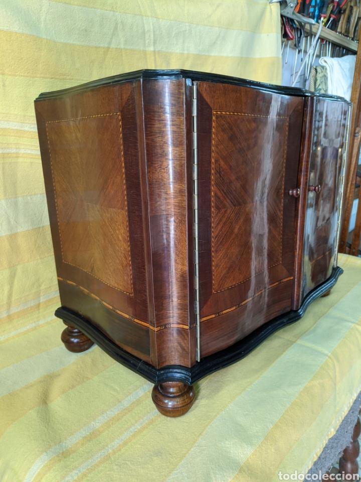Antigüedades: Mueble de radio tranformado en bargueño, caoba - Foto 11 - 207838546