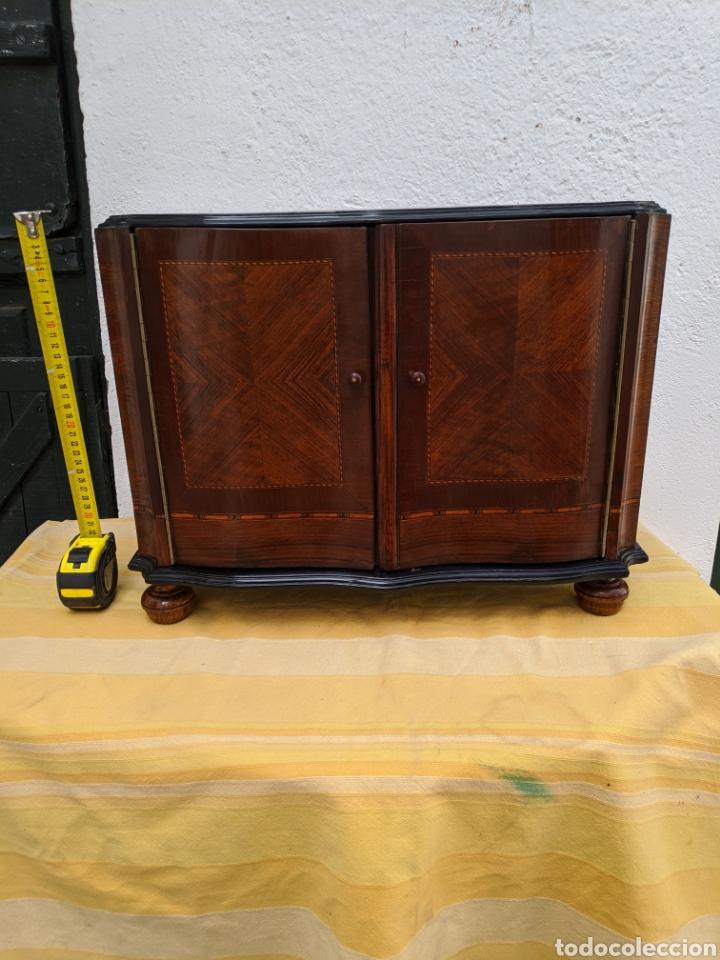 MUEBLE DE RADIO TRANFORMADO EN BARGUEÑO, CAOBA (Antigüedades - Muebles Antiguos - Bargueños Antiguos)