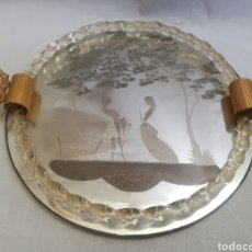Antigüedades: PRECIOSA BANDEJA EN CRISTAL TALLADO VENECIANO Y METAL DORADO. Lote 207847653