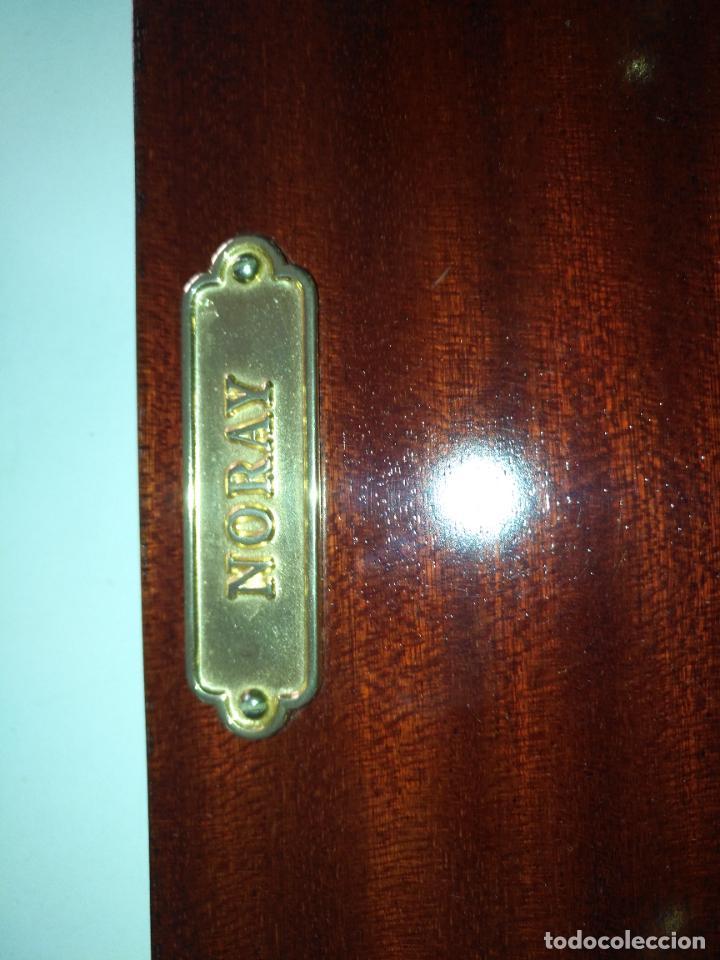 Antigüedades: PERCHERO PARA DORMITORIO DE MUEBLE BARCO - NORAY , 2 percha metal y metopa madera 28x15x2cm - Foto 7 - 207867665