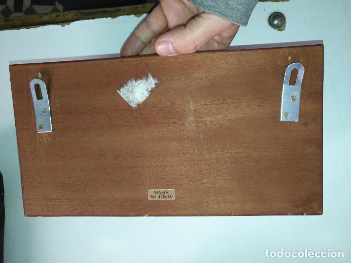 Antigüedades: PERCHERO PARA DORMITORIO DE MUEBLE BARCO - NORAY , 2 percha metal y metopa madera 28x15x2cm - Foto 8 - 207867665