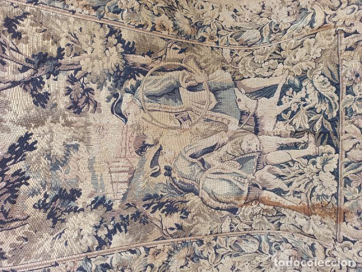 Antigüedades: Preciosa cortina con escena de caza (deteriorada) - Foto 4 - 207867820