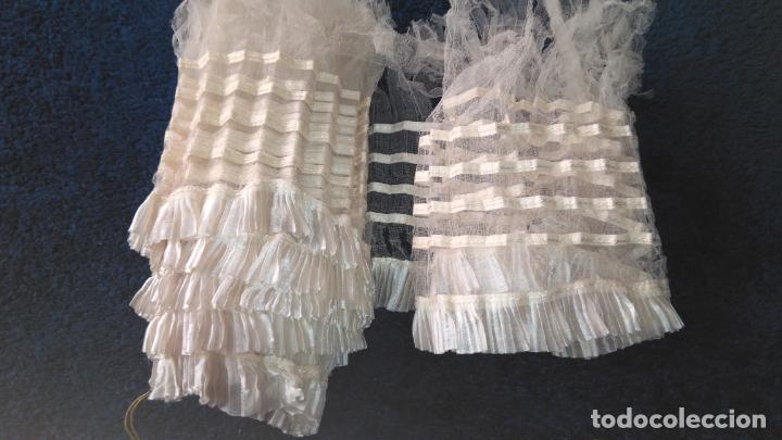 Antigüedades: Antiguo volante de muselina y seda blanco, sin uso, deteriorado, para estudio 254 x 12 cm. S.XIX - Foto 2 - 207877268