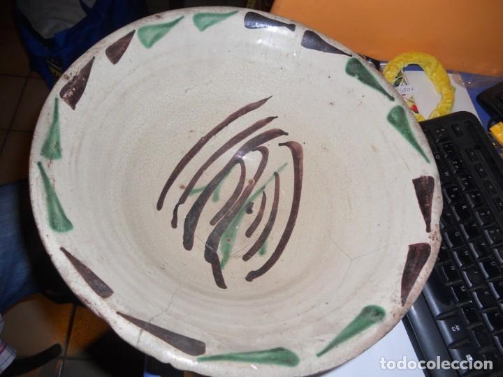 Antigüedades: antiguo lebrillo cuenco plato ceramica de teruel en buen estado - Foto 2 - 207894175