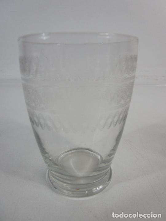 Antigüedades: Pareja de Vasos de Licor - Cristal Tallado - Principios S. XX - Foto 3 - 207918382