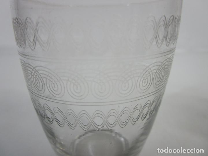 Antigüedades: Pareja de Vasos de Licor - Cristal Tallado - Principios S. XX - Foto 7 - 207918382