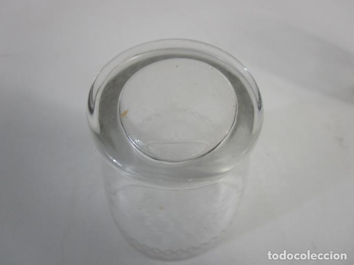 Antigüedades: Pareja de Vasos de Licor - Cristal Tallado - Principios S. XX - Foto 8 - 207918382