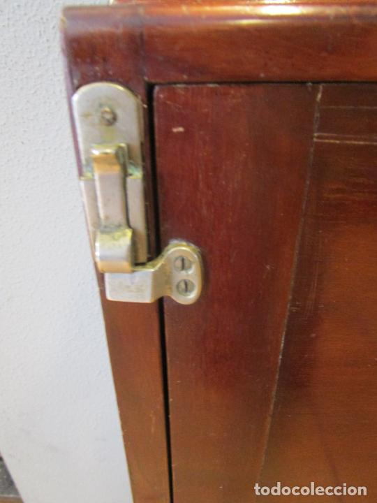 Antigüedades: Antiguo Mueble de Barco - Compañía Trasatlántica Vapores Correos, Barcelona - Madera Caoba - S. XIX - Foto 20 - 207929101