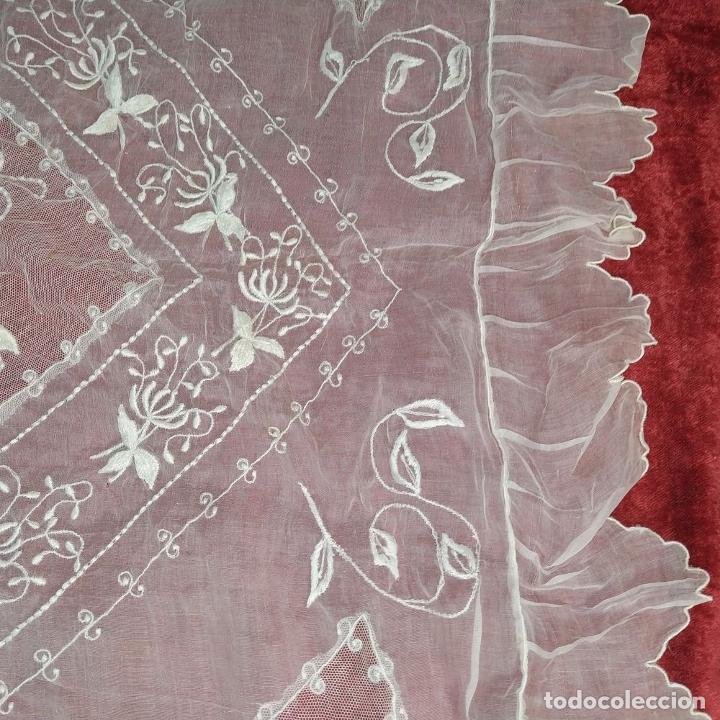 Antigüedades: CUBRECAMA PARA CUNA. ORGANZA BORDADA A MANO. ESPAÑA. SIGLO XIX - Foto 5 - 207967876