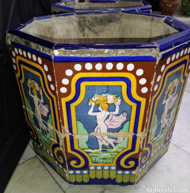 Antigüedades: Magníficos maceteros de azulejos modernistas. Final siglo XIX. - Foto 14 - 207986240