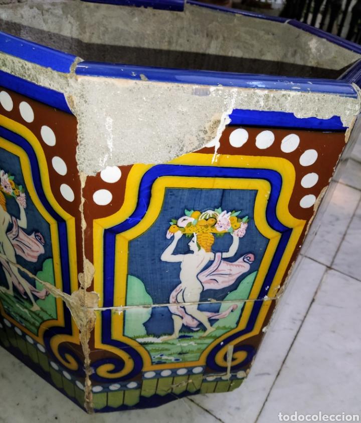 Antigüedades: Magníficos maceteros de azulejos modernistas. Final siglo XIX. - Foto 16 - 207986240