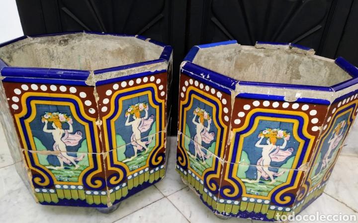 Antigüedades: Magníficos maceteros de azulejos modernistas. Final siglo XIX. - Foto 22 - 207986240