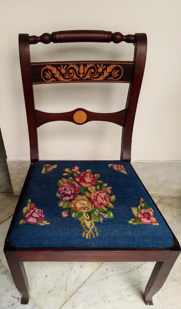 Antigüedades: Bonita pareja de sillas isabelinas en madera de caoba cubana. Bordadas en petit point - Foto 4 - 207988587