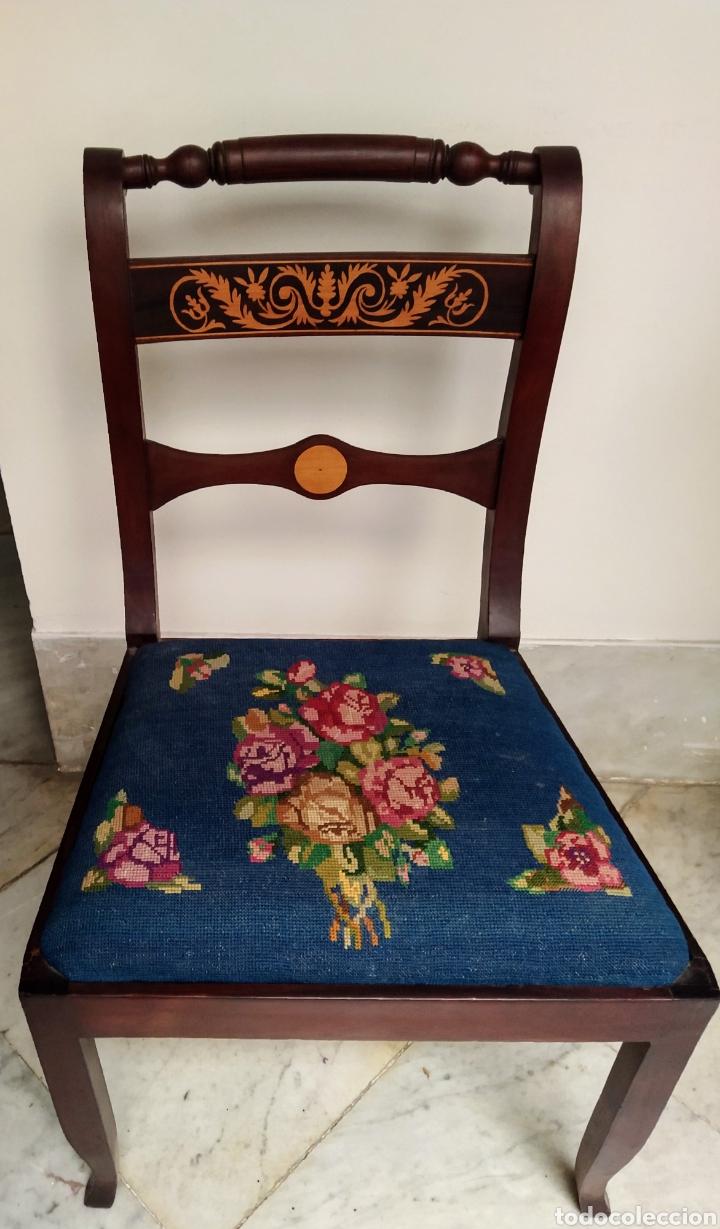 Antigüedades: Bonita pareja de sillas isabelinas en madera de caoba cubana. Bordadas en petit point - Foto 5 - 207988587