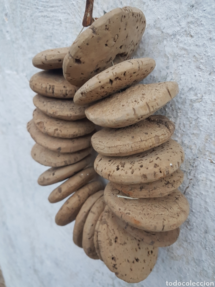 Antigüedades: Antiguo lote de corchos de pesca para redes - Foto 2 - 207998661