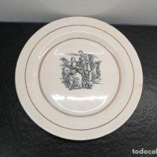 Antigüedades: ANTIGUO PLATO DE LOZA CON MOTIVO DE AMANTES. 30 CENTÍMETROS DE DIÁMETRO. (ENVÍO 4,31€). Lote 208013260