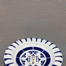 Antigüedades: GRANDE Y PRECIOSO CENICERO DE SARGADELOS, CON ESCUDO DE GALICIA EN EL INTERIOR. MEDIDAS: 24CM. Lote 208016218