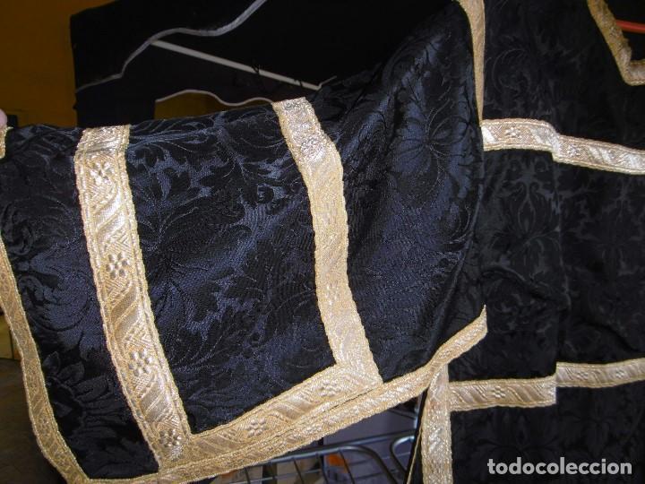 Antigüedades: ANTIGUO CONJUNTO DE CASULLA, ESTOLA Y CUBRECUELLO PARA DIÁCONO. - Foto 6 - 208040517