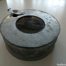 Antigüedades: ALIMENTADOR DE COLMENAS , AÑOS 1960-70. Lote 208060415