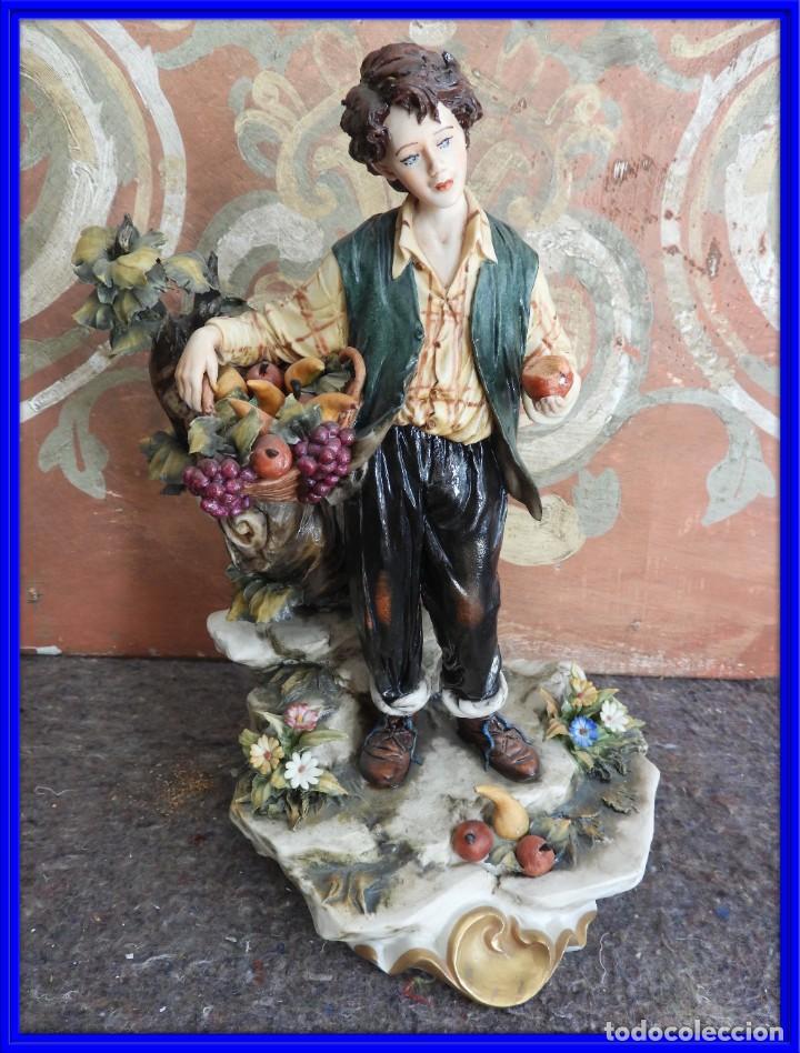 BONITA FIGURA DE PORCELANA DE CAPODIMONTE COLECCION VENERE (Antigüedades - Porcelanas y Cerámicas - Otras)