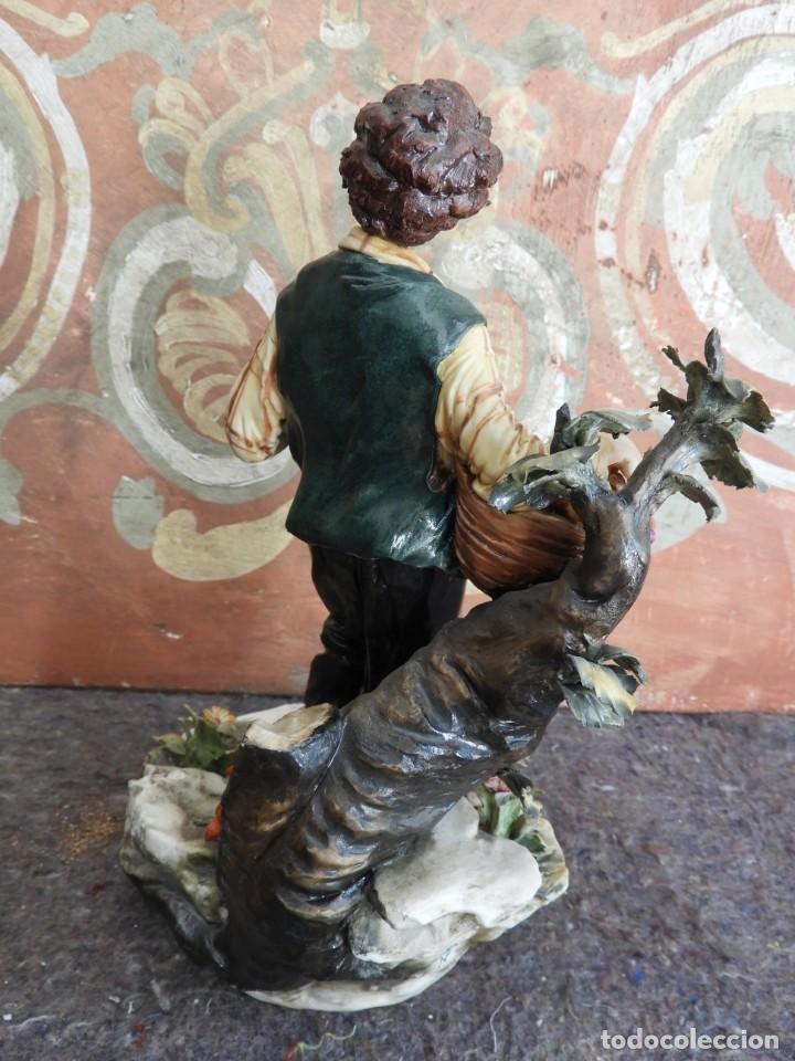 Antigüedades: BONITA FIGURA DE PORCELANA DE CAPODIMONTE COLECCION VENERE - Foto 6 - 208119718