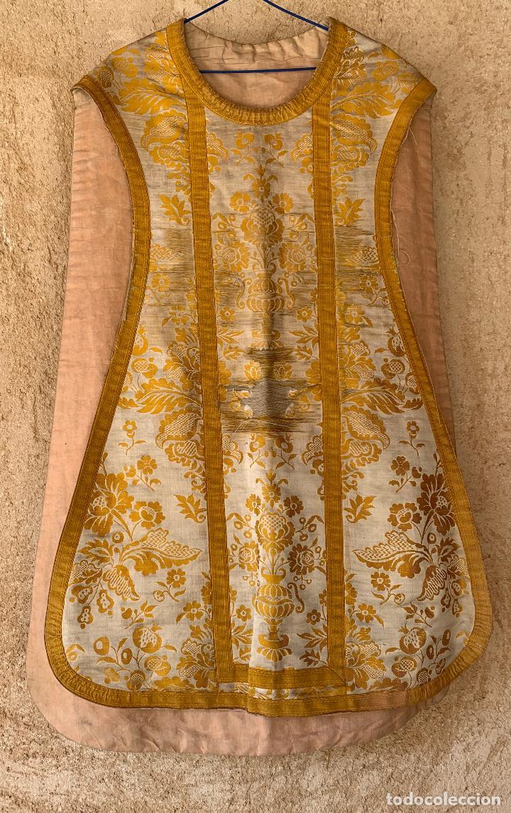 ANTIGUA CASULLA SIGLO XIX .. M GARIN , HIJOS .MADRID . SOCIEDAD ECONOMICA AMIGOS DEL PAIS VALENCIA (Antigüedades - Religiosas - Casullas Antiguas)