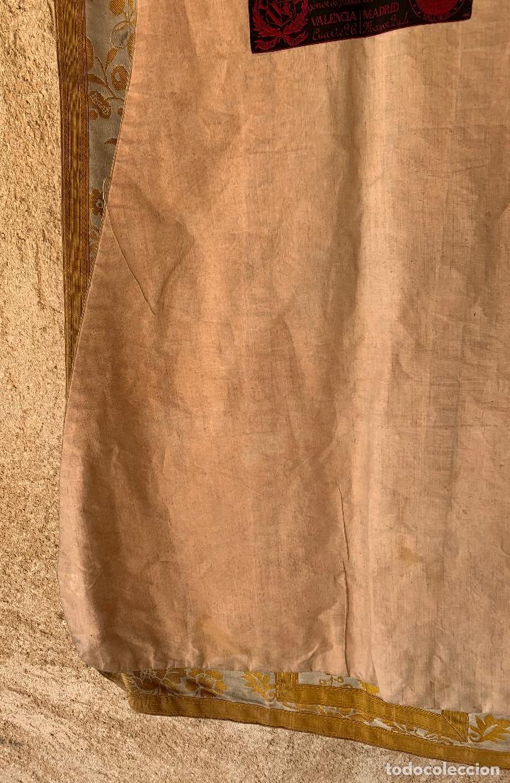 Antigüedades: ANTIGUA CASULLA SIGLO XIX .. M GARIN , HIJOS .MADRID . SOCIEDAD ECONOMICA AMIGOS DEL PAIS VALENCIA - Foto 13 - 208119987