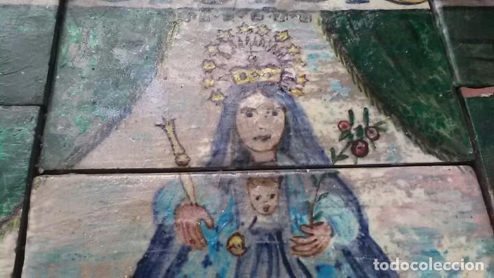 Antigüedades: Azulejos de la Virgen Maria, Firmado C. Serra, feligreses, rogativa o exvoto - Foto 2 - 208165870