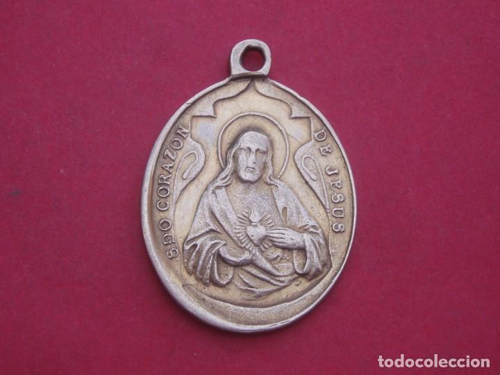 Antigüedades: Medalla Antigua Virgen de Piedraescrita y Sagrado Corazón de Jesús. Campanario. Badajoz. - Foto 2 - 208189293
