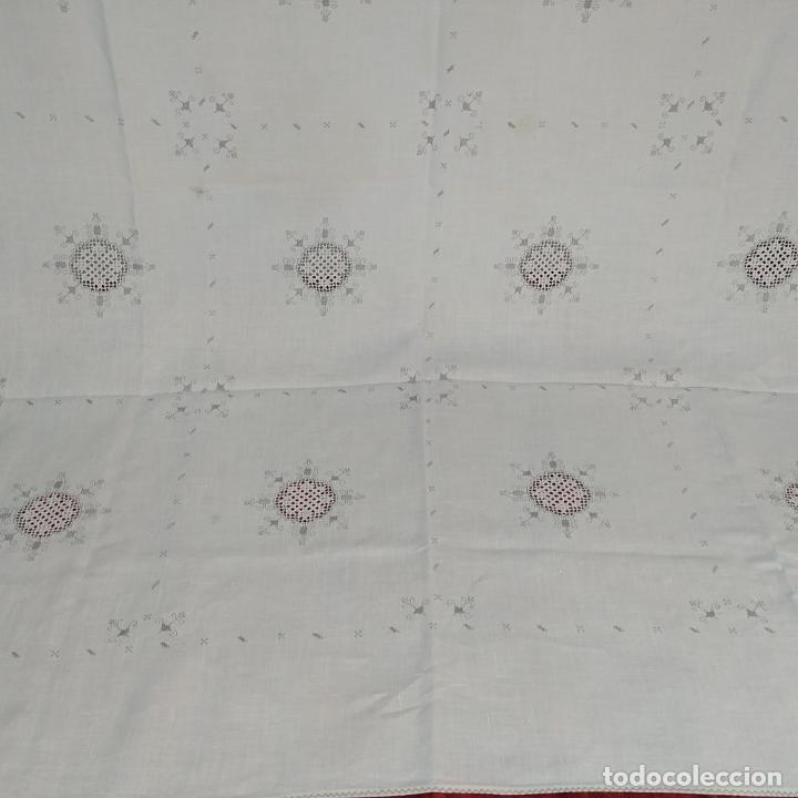 Antigüedades: MANTELERIA DE LAGARTERA DE LINO. 8 + 8 SERVICIOS. 240X160. ESPAÑA. SIGLOS XIX-XX - Foto 3 - 208254421