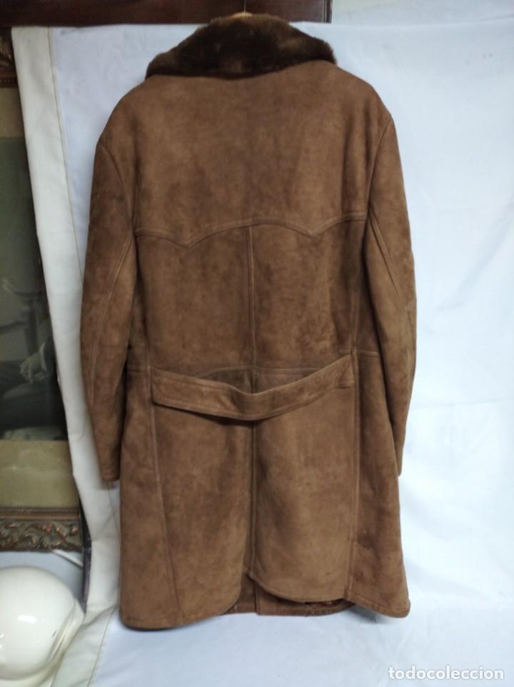 Antigüedades: Antiguo abrigo de piel de la marca Boecker. IHR SPEZIALIST FÜR BEKLEIDUNG UND PELZE. - Foto 2 - 208322725