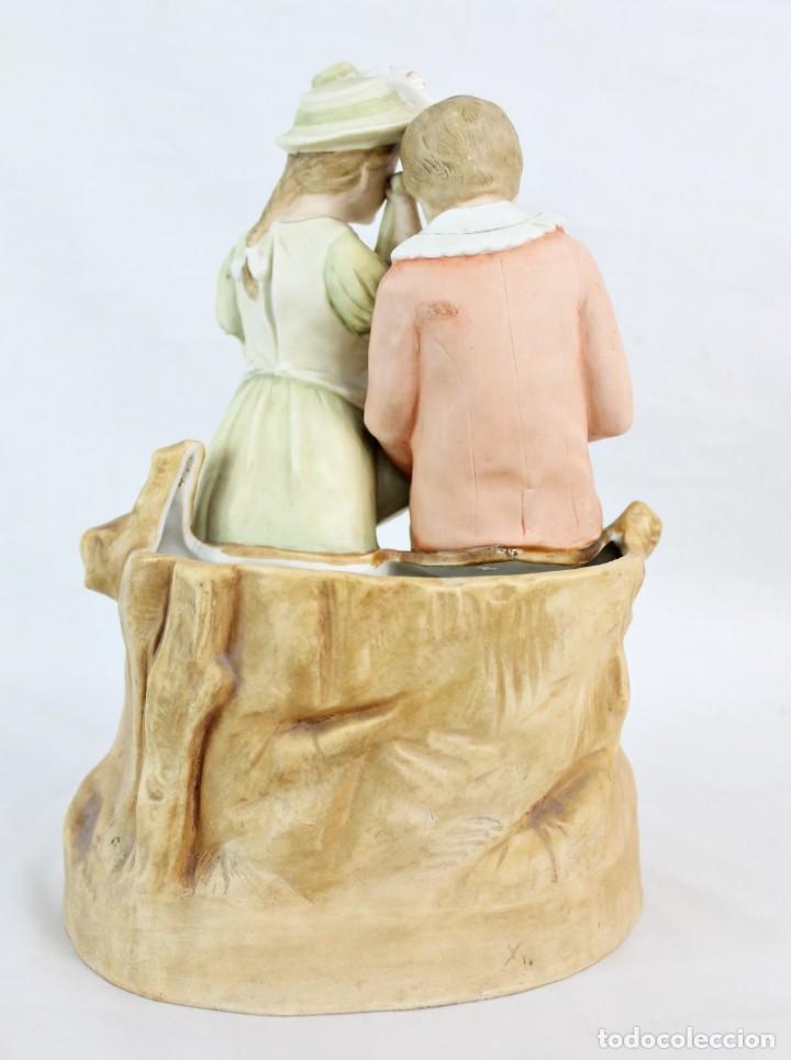 Antigüedades: Figura niña y niño con muñeca. Porcelana biscuit. Thuringia ca 1890. Bisque porcelain figurine - Foto 5 - 208349335