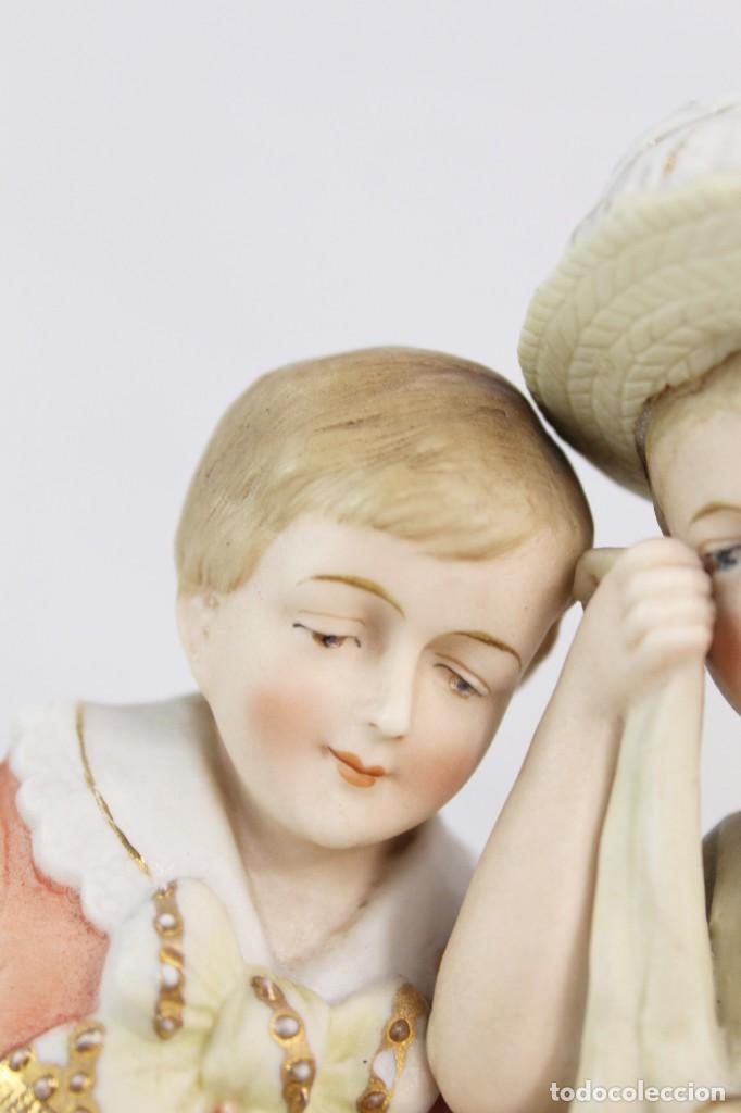 Antigüedades: Figura niña y niño con muñeca. Porcelana biscuit. Thuringia ca 1890. Bisque porcelain figurine - Foto 10 - 208349335