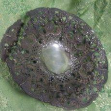 Antigüedades: ANTIGUA BANDEJA DE PLATA DE DURÁN MUY LABRADA. Lote 208369145