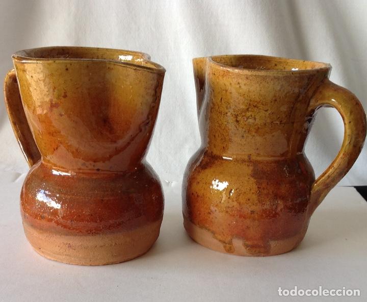 Antigüedades: Lote de 2 jarritas de cerámica de Alcora. Nuevas. 12 x 11 cm. - Foto 2 - 208385223
