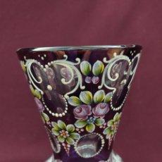 Antigüedades: PRECIOSO JARRÓN ART DECO. CRISTAL DE BOHEMIA AMATISTA. POSIBLE MOSER KARLSBAD.. Lote 208414275