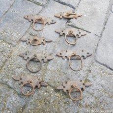 Antigüedades: LOTE DE 8 TIRADORES HIERRO. Lote 208442893