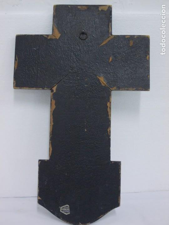 Antigüedades: ANTIGUA CRUZ DE MADERA CON CRISTO Y BENDITERA DE COBRE PLATEADO - ZARAGOZA - Foto 10 - 208446905