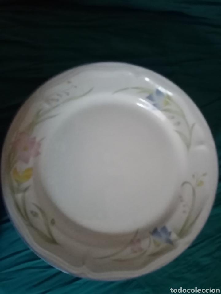 Antigüedades: 6 Platos de loza de cerámica decorada de gran tamaño - Foto 3 - 208427090