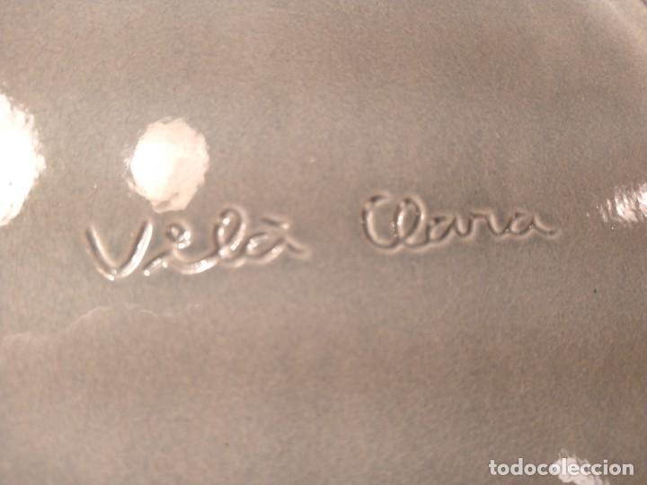 Antigüedades: JOSEP VILÀ CLARA. PLATO EN CERÁMICA ESMALTADA A MANO. FIRMADO AL DORSO. LA BISBAL. GIRONA. - Foto 6 - 208450225