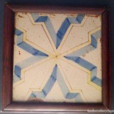 Antigüedades: ANTIGUO AZULEJO DE CERÁMICA ENMARCADO - 25 CMS - AZULEJO 20 CMS. Lote 208809580