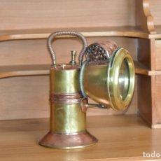 Antigüedades: FAROL DE CARBURO. DE 27 CM DE ALTO 20 DE LARGO Y 15 DE ANCHO. RESTAURADO. Lote 208819952