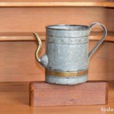 Antigüedades: REGADERA PEQUEÑA DE 15 CM DE ALTO, 18 DE LARGO Y 10 DE DIÁMETRO. SIN ROTURAS. Lote 208821830