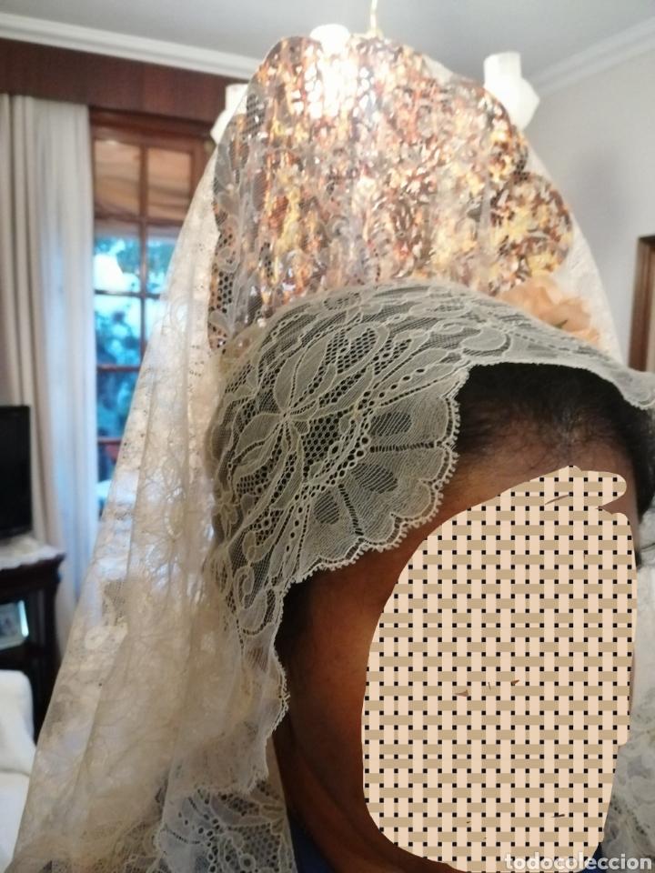 Antigüedades: Preciosa mantilla de encaje chantillí - Foto 3 - 208851226