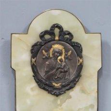Antigüedades: PRECIOSA BENDITERA DE ONIX. VIRGEN PERPETUO SOCORRO. PLATA Y PLATA DORADA. FIRMADA. CA. 1900. Lote 208889216