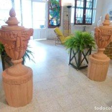 Antigüedades: PAREJA DE VASOS MEDICIS EN TERRACOTA. Lote 208916955