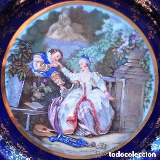 Antigüedades: Bellísimo Plato de Porcelana de LIMOGES - Firma P PASTAUD - Pareja Escena Amorosa Galante Cortejo - Foto 2 - 208921867