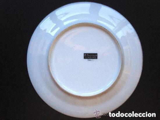 Antigüedades: Bellísimo Plato de Porcelana de LIMOGES - Firma P PASTAUD - Pareja Escena Amorosa Galante Cortejo - Foto 3 - 208921867